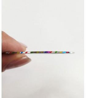نوار طراحی ناخن باریک رنگی خط دار نزدیک