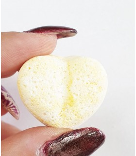 کوکتل مانیکور قلبی زرد با دست