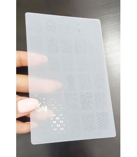شابلون پلاستیکی ناخن متوسط شماره k07 با دست